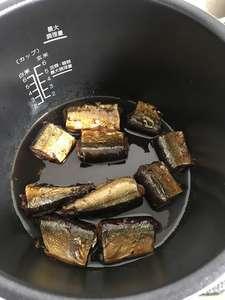 骨まで食べられるさんまの煮物の写真