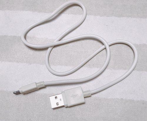 iPhoneの充電コードの写真