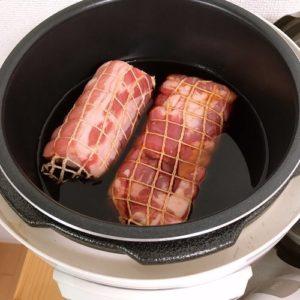 黄金比ダレに豚バラブロック肉を入れた写真