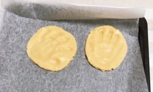 手形を取ったクッキー