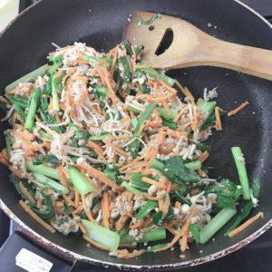 ジューシーそぼろと野菜のビビンバ、小ねぎとのり・豆腐の韓国風スープのレビュー3